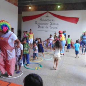 Internos do CDPM realizam atividade de Natal com entrega de brinquedos e coral natalino