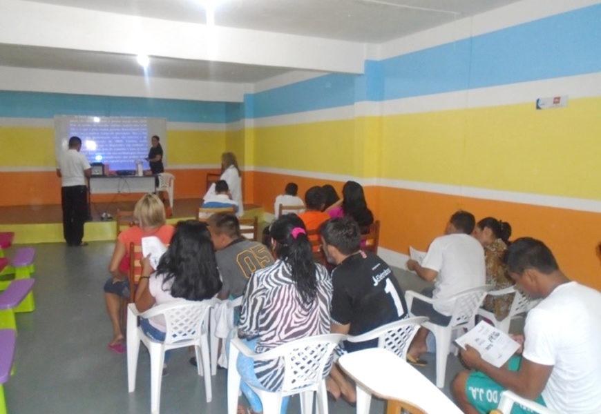 Reenducandos do Ipat participam de palestra sobre automedicação