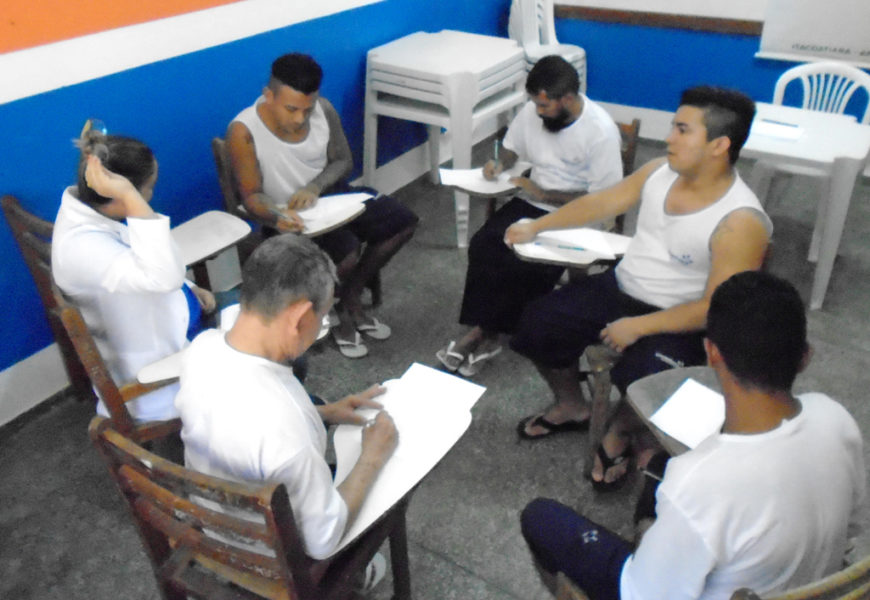 Presos de Itacoatiara trabalham com atividades de autoconhecimento