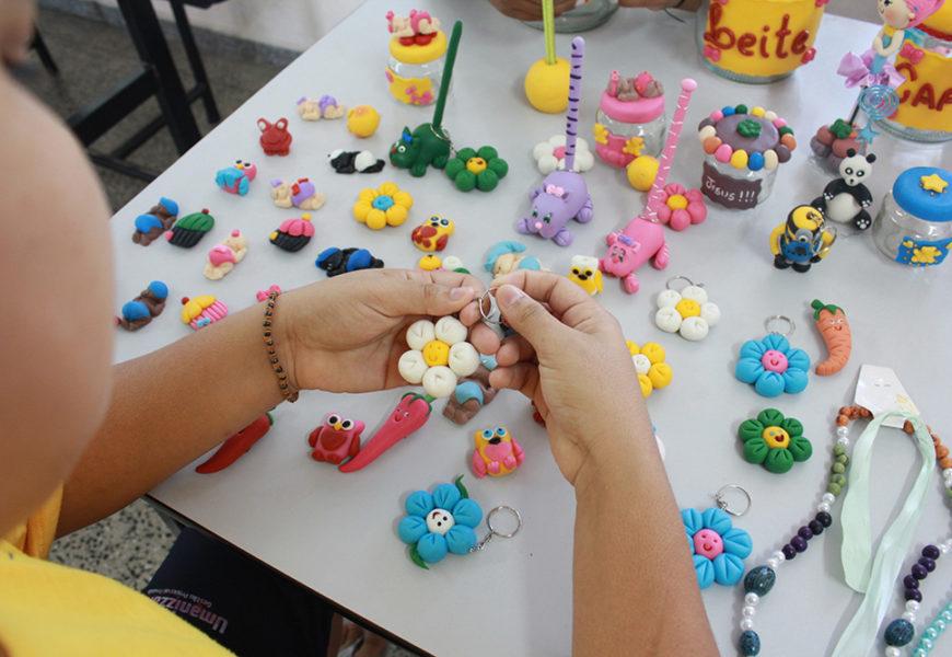 Projeto Mãos Livres ensina a arte  com biscuit para detentas do CDPF