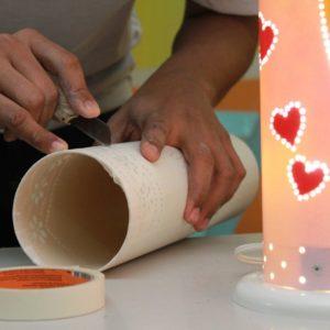 Reeducandos do Compaj produzem luminárias em PVC
