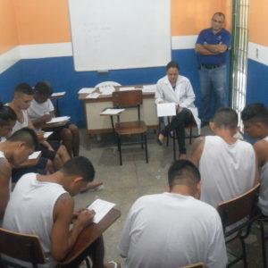 Reeducandos do Puraquequara recebem atividades para fortalecer a saúde mental durante confinamento