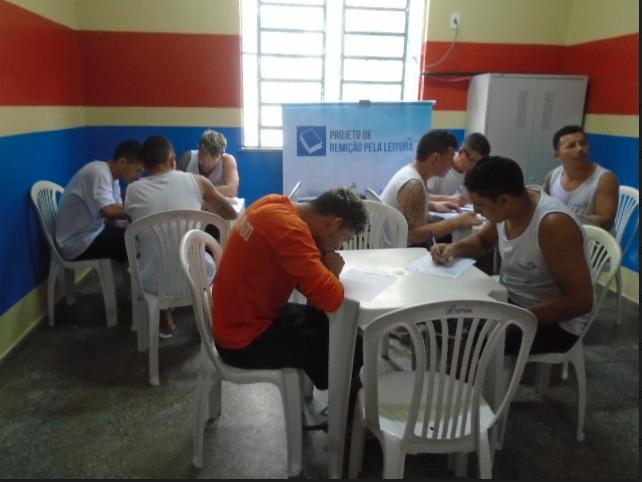 Reeducandos da UPI fazem prova do Projeto Remição pela Leitura
