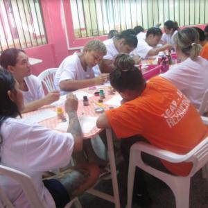 Reeducandas do CDPF recebem curso de manicure e pedicure