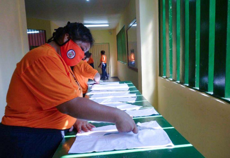 Umanizzare promove curso de confecção de máscara no CDPF